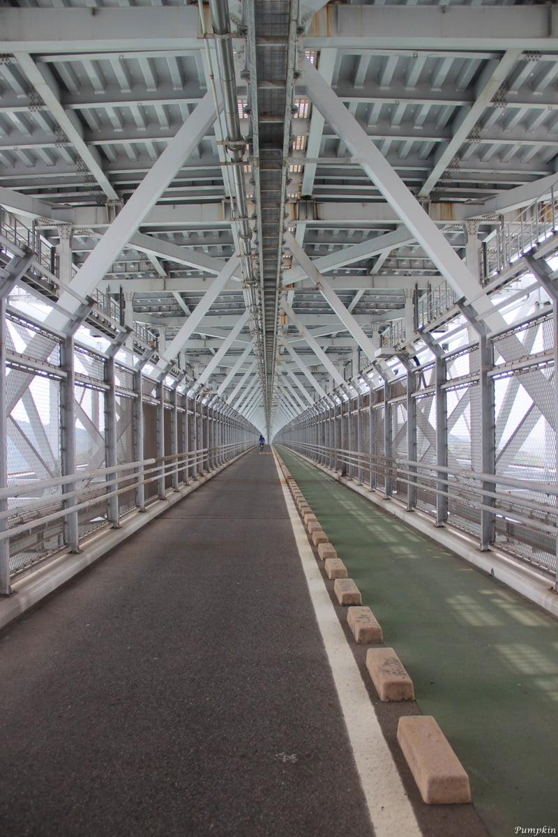 往因島大橋裏