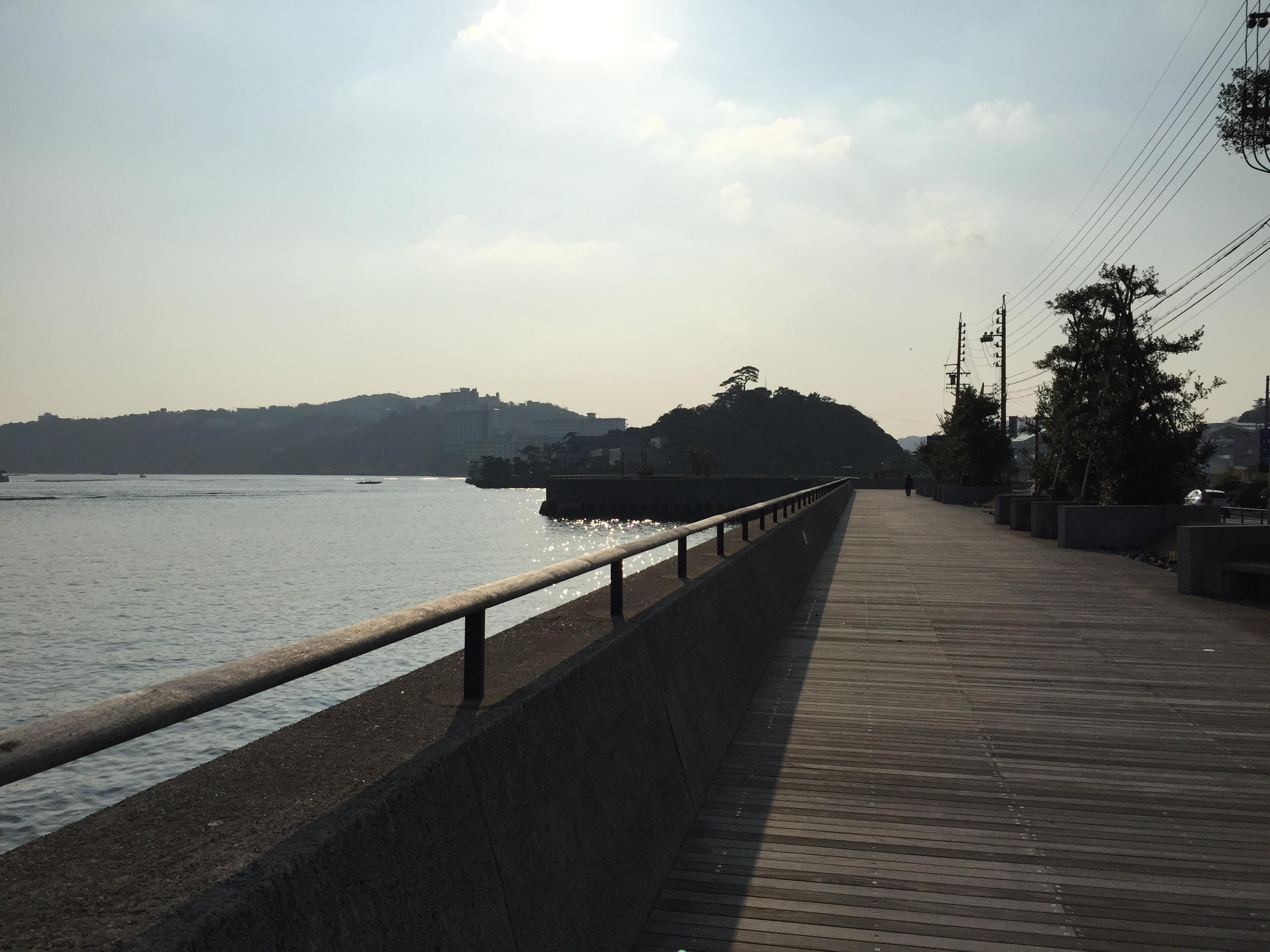 鳥羽駅附近的海傍